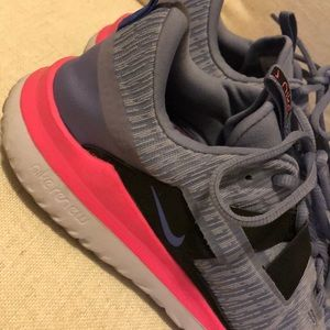 Nike Shoes - Nike woman sneakers size 11